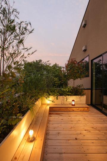 『Second living terrace surrounded by plants 植物にかこまれた2つ目のリビングテラス ~バルコニーリノベーション~』をWORKSに追加しました