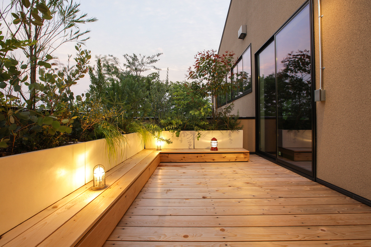 Second living terrace surrounded by plants